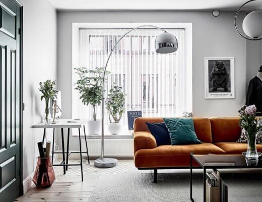 sofá color mostaza